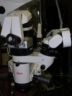 מיקרוסקופ המשמש לניתוח עיניים - גלאוקומה, קטרקט